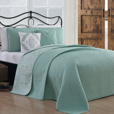 Higginbotham 5 Piece Reversible Quilt Set Size: King