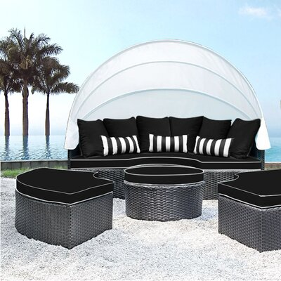 Sombra Daybed with Cushions Fabric: Black/White