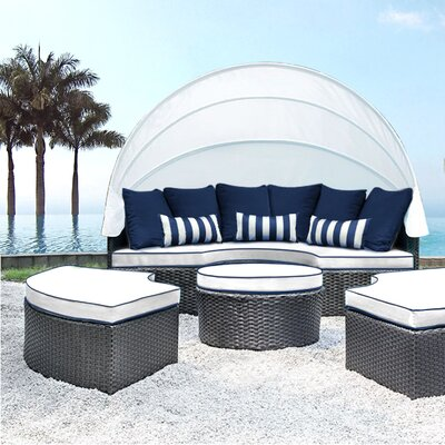Sombra Daybed with Cushions Fabric: White/Navy
