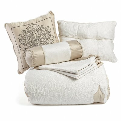 7 Piece Bed-In-a-Bag Set Size: Queen