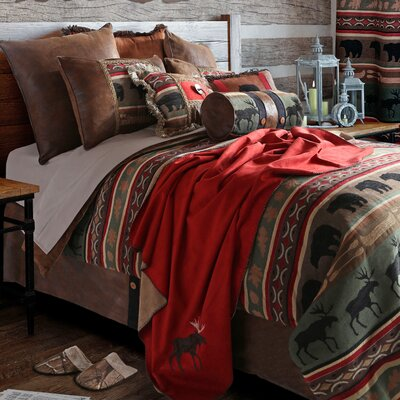 Backwoods Reversible Comforter Set Size: Queen