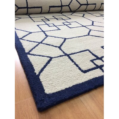 Wool Hand-Tufted Ivory/Blue Area Rug