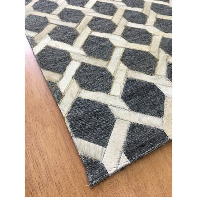 Hand-Woven Charcoal / Ivory Area Rug Rug Size: Rectangle 4 x 6