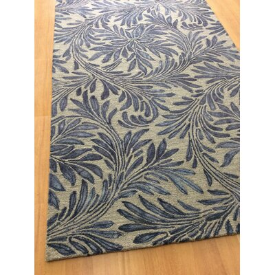 Floral Hand-Woven Beige/Blue Area Rug Rug Size: 5 x 8