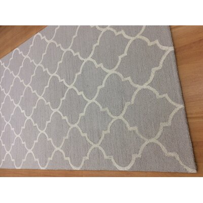 Hand-Woven Gray/Ivory Area Rug Rug Size: 5 x 8
