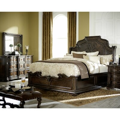 Beatrice Platform Customizable Bedroom Set