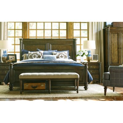 Finnegan Traditional Panel Customizable Bedroom Set