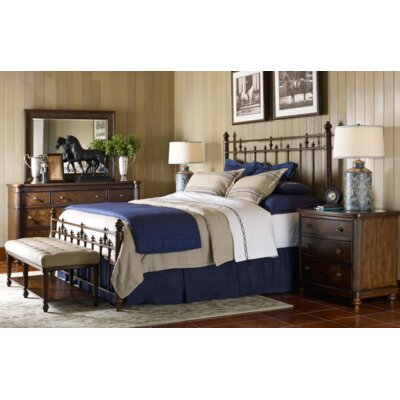 Finnegan Platform Bed Size: King