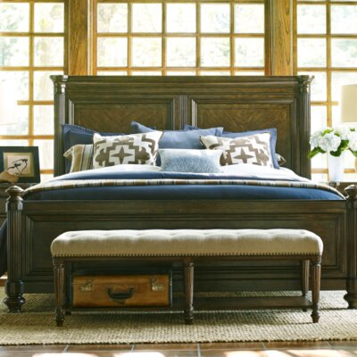 Finnegan Traditional Platform Bed Size: King