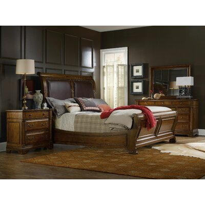 Alexis Sleigh Customizable Bedroom Set