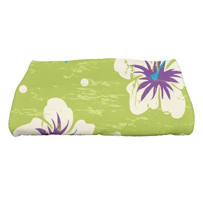 Golden Beach Hibiscus Blooms Floral Print Bath Towel Color: Light Green