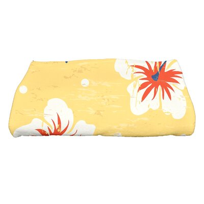 Golden Beach Hibiscus Blooms Floral Print Bath Towel Color: Yellow