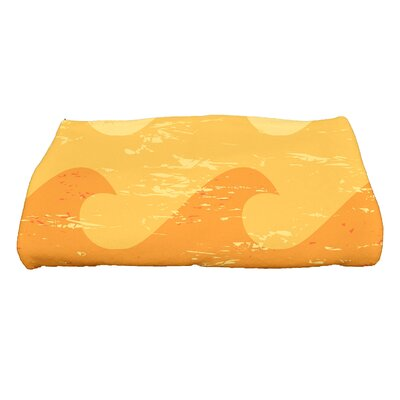 Golden Beach Deep Novelty Print Bath Towel Color: Yellow/Orange