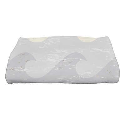 Golden Beach Deep Novelty Print Bath Towel Color: Taupe/Gray