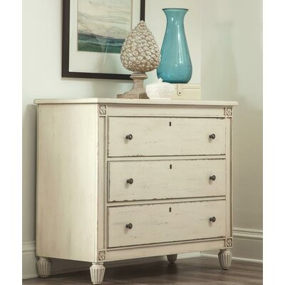 Hilliard Bachelors 3 Drawer Dresser