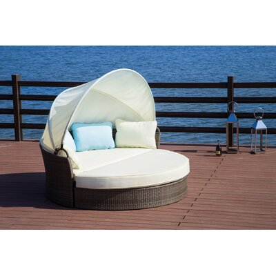 Harlow Daybed with Cushions