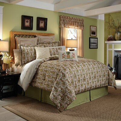 Pina Colada 4 Piece Reversible Comforter Set Size: King