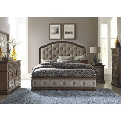 Blenheim Platform Customizable Bedroom Set