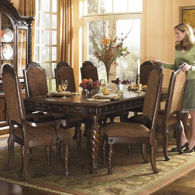 Castlethorpe Extendable Dining Table