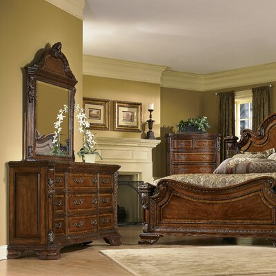 Brussels Panel Bed Size: California King