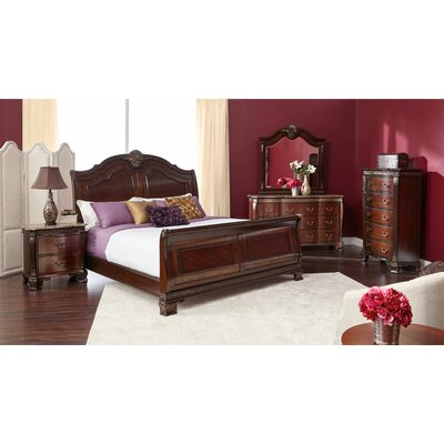 Vista Sleigh Bed Size: King