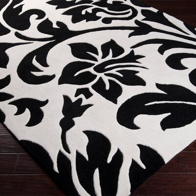 Spenser White and Black Rug Rug Size: 9 x 13