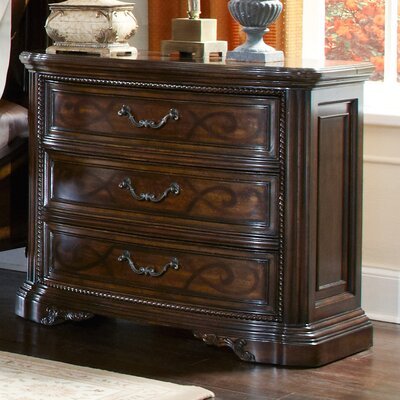 Evelyn 3 Drawer Nightstand