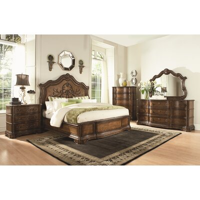 Crendon Platform Customizable Bedroom Set