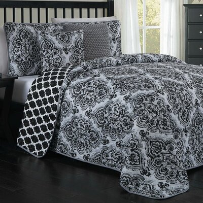 John 5-piece Quilt Set Size: King, Color: Black