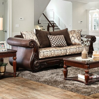 Dolliver Traditional Sofa