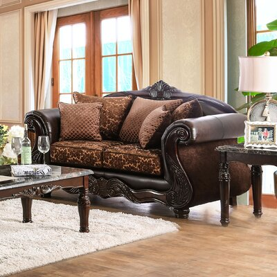 Dolton Traditional Loveseat