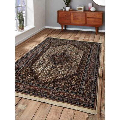 Shephard Hand-Knotted Wool Cream/Brown Area Rug Rug Size: 54 x 78
