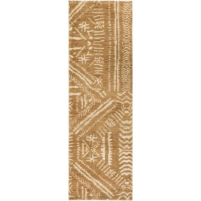 La Capture Hand-Knotted Camel/Cream Area Rug Rug size: Runner 26 x 8
