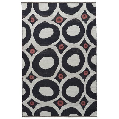 Sophia Cloud Dancer/Phantom Area Rug Rug Size: 5 x 8