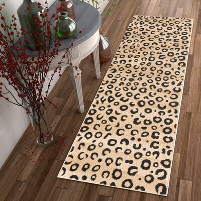 Amskroud Beige Area Rug Rug Size: Rectangle 27 x 311