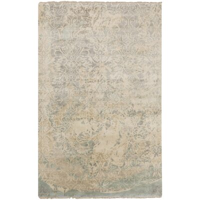 Bolivia Light Gray Damask Area Rug Rug Size: 5 x 8