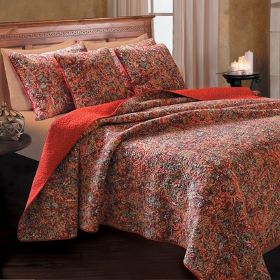 Bordertown Cotton Reversible Quilt Set Size: Twin
