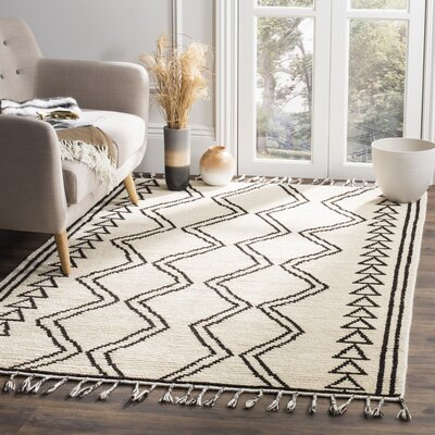 Glenoe Hand-Knotted Ivory/Black Area Rug Rug Size: Rectangle 5 x 8