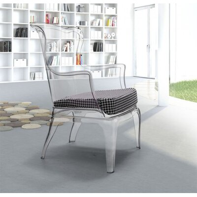 Dabria Arm Chair with with Cushions
