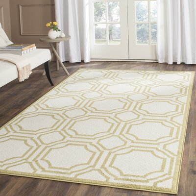 Maritza Ivory/Green Indoor/Outdoor Area Rug Rug Size: Rectangle 4 x 6