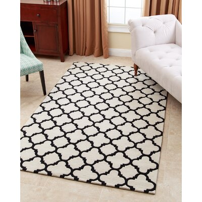 Lowestoft Hand-Tufted Sand Area Rug Rug Size: 5 x 8