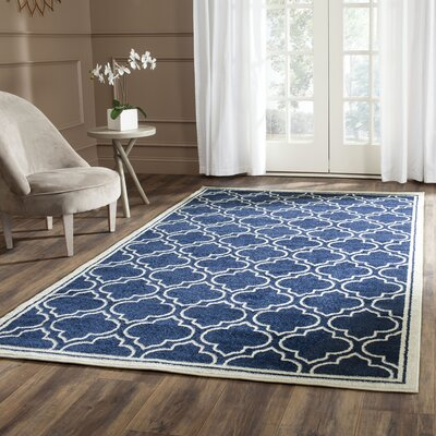 Maritza Navy / Ivory Indoor/Outdoor Area Rug Rug Size: 4 x 6