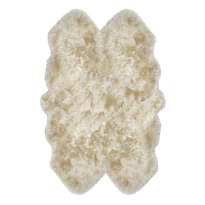 Russ Sheepskin Tan Area Rug Rug Size: Quarto 4 x 6