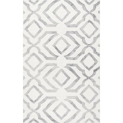 Beatrix Light Gray Area Rug Rug Size: 76 x 96