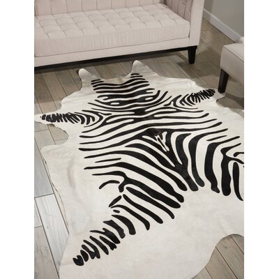 Montague Black/White Area Rug