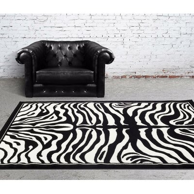 Creissant Black Indoor/Outdoor Area Rug Rug Size: 5 x 7