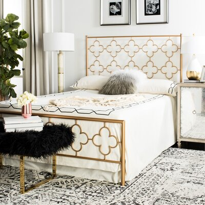 Kieran Lattice Platform Bed Size: QUEEN, Color: Gold