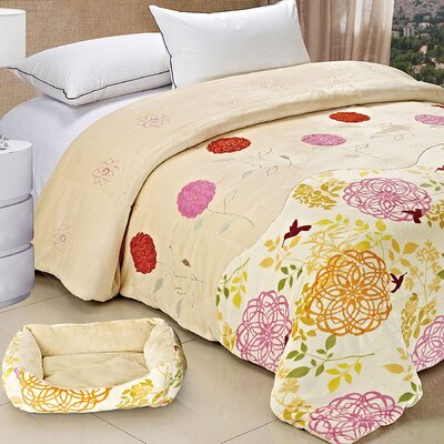 Applique Double Flannel Fleece Throw Blankets Color: Red / Beige