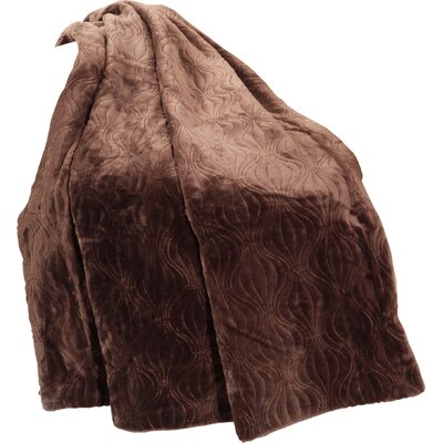 Quilted Flannel Fleece Throw Color: Coffee Bean