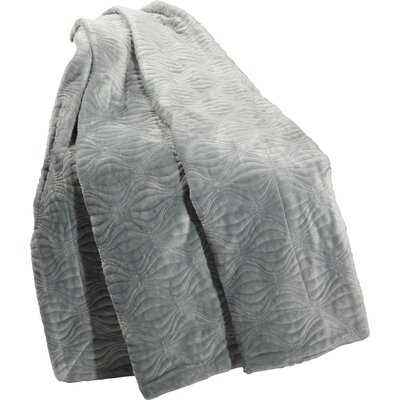 Quilted Flannel Fleece Throw Color: Silver Blue